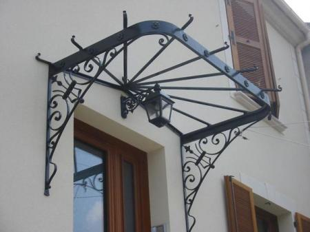 Marquise auvent en fer forg marquise wrought iron canopy for Auvent et marquise en fer forge