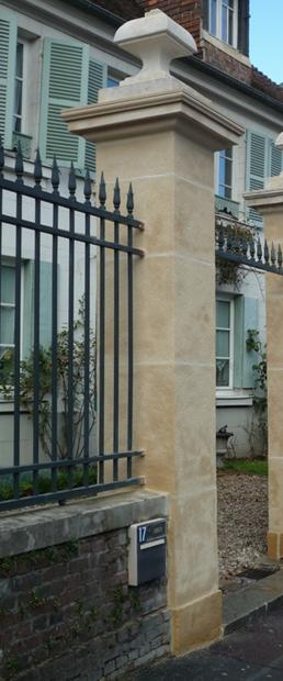 Pilier en pierre naturelle colonne en pierre naturelle - Poteau pour portail ...