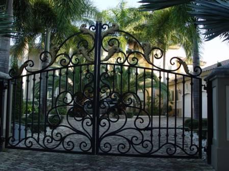 Porte portail en fer forg portillon portail - Les plus beaux portails en fer forge ...