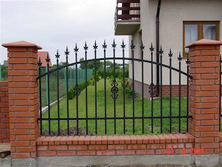 Grille cl ture en fer forg ext rieur jardin villa - Porte de jardin en fer ...