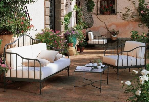salon de jardin en fer forge en promotion pas. Black Bedroom Furniture Sets. Home Design Ideas